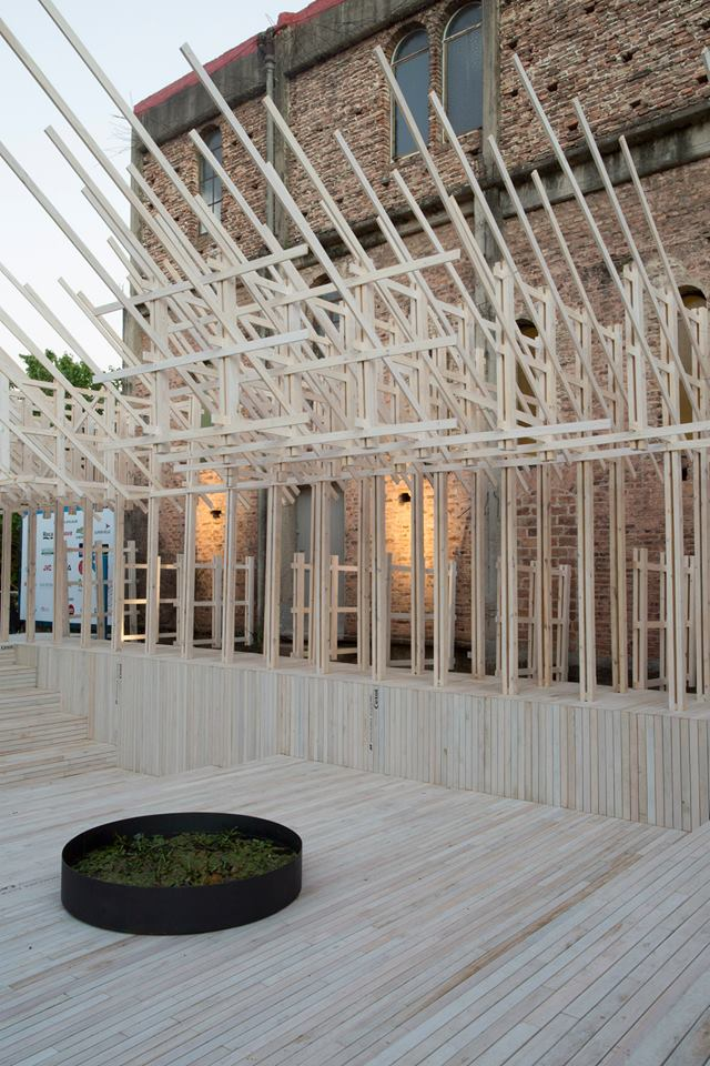 Casa FOA 2014: Swimming Wood / Espacio Cetol - Julio Oropel